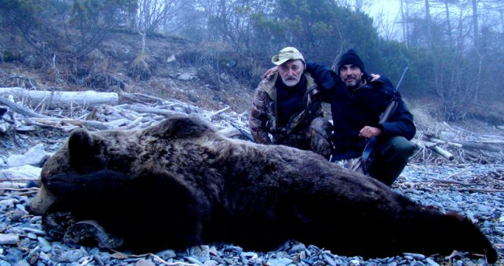 Russia-Costel-Brown-Bear-Hunt